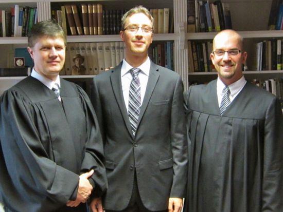 v.l.n.r.: Pastor D'Assonville, Matthias Mangold (Ältester), Pastor Heck